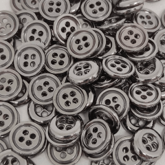 "Botão Metal  -  Bordas Arredondadas - Onix- 2 furos - Modinha - Tam 16""/10,16mm - 100und - Cód MT10900"